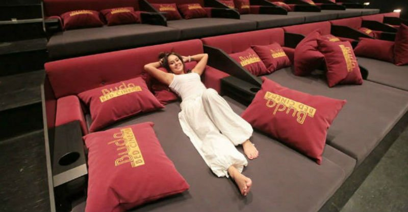 iNyx: Cinema Bed