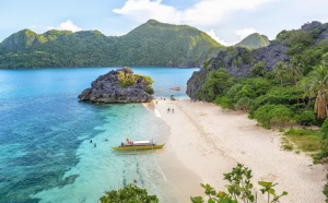 White sand beaches in El Nido, Palawan.