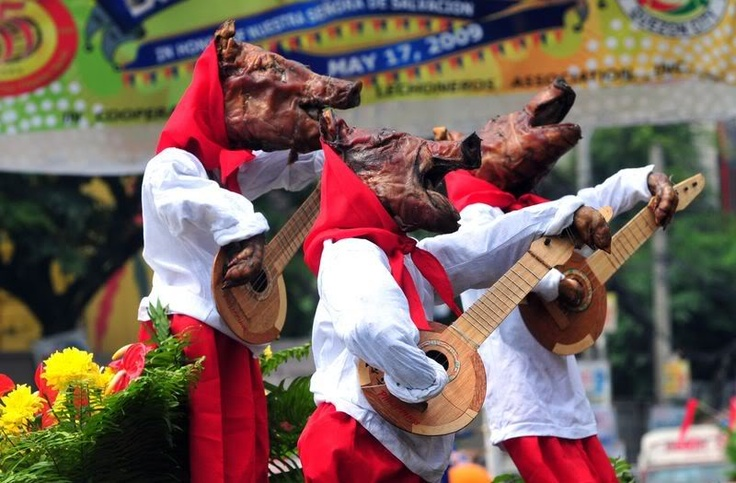 Lechon are creatively displayed during the Parada ng Lechon. Image via Pinterest.
